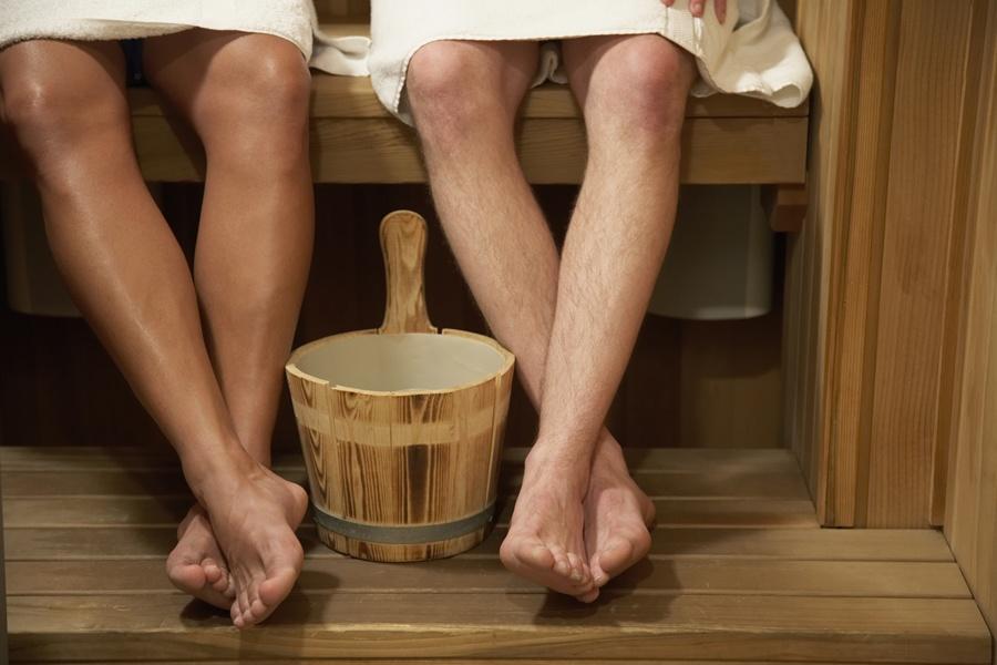 Девушки в купальниках бане босиком фото фото 21-372