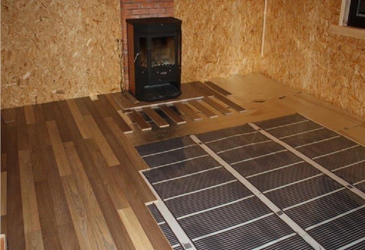 Как сделать теплый пол в квартире под ламинат